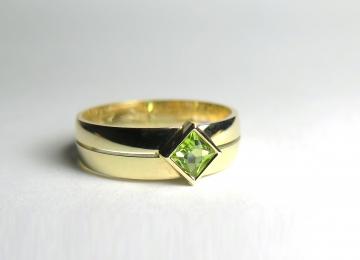 ring_met_peridoot_2.jpg