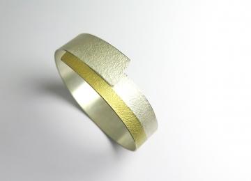 armband_manu_voor_site.jpg
