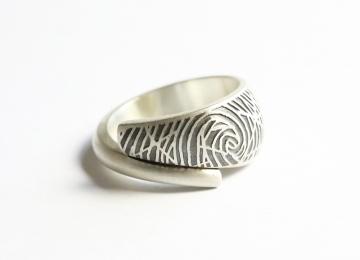 zilveren_ring_met_vingerafdruk.jpg