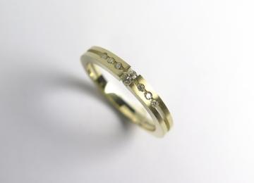 gouden_ring_met_diamant.jpg